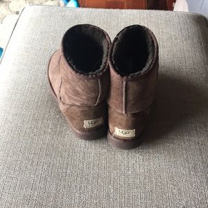 Dark brown /chocolate Size 8 UGGS good condition